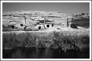 Carrière de grès au bord du Nil   by Bokey Shutter