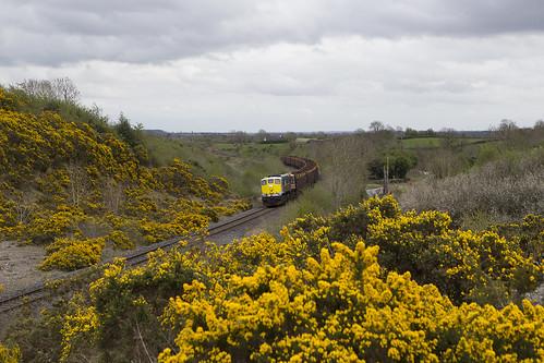 irishrail iarnrodeireann ie071class ie086 railroad railway railwayoffaly emd emdexportloco jt22cw timbertrain freighttrain clara