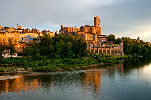 albi occitanie france europe languedoc tarn river reflection evening sunset clouds church cathedral gothic historic travel tourism heritage