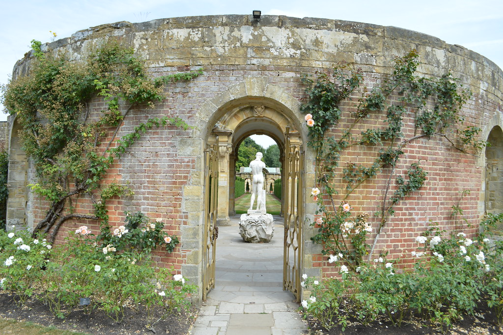 Italian garden at Hever Castle