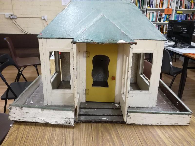 1930s doll house