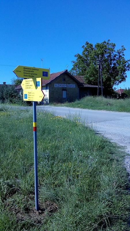 Hajdukovo, blizina železničke stanice, odvajanje odavde je moguće i ka jezeru Ludaš