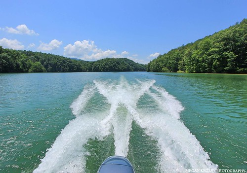 lake water southholstonlake bristol virginia tennessee appalachianmountains outdoors nature pontoon trees mountains explore boat sky clouds landscape waves