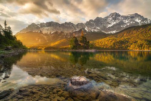 deutschland germany alpen alps mountain zugspitze eibsee lake golden sunrise sonnenaufgang sony a7rii