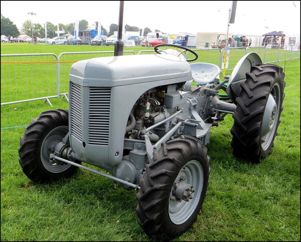 LITTLE GREY FERGIE | TE20 - 4 wheel drive  Enfield Pageant 2