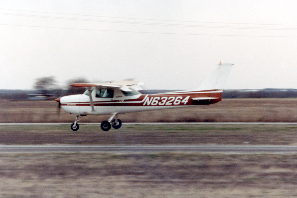 1976 Cessna 150M N63264 | Me landing at Aero Valley Airport