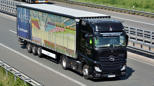 D - Andreas Pöppelmann >Kunsthalle< MB New Actros Gigaspace