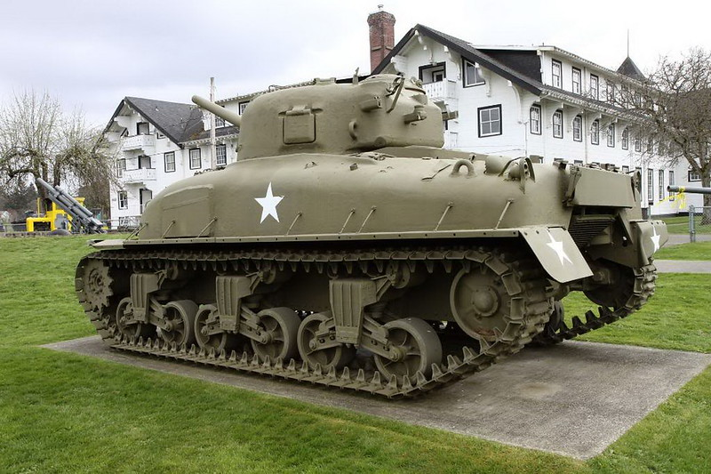 Sherman M4A1 3