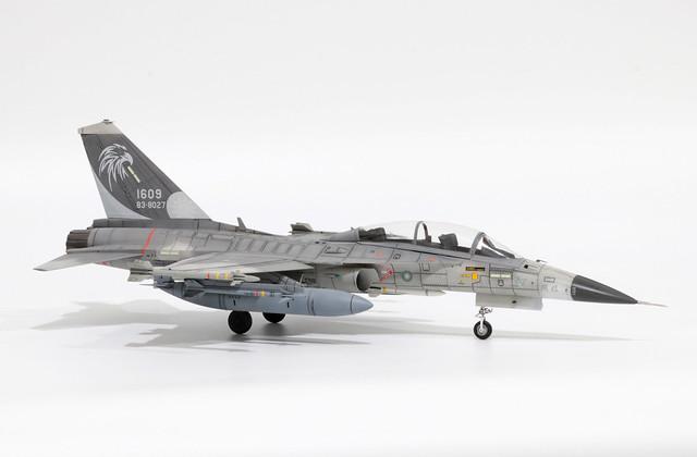 F-CK-1B_001