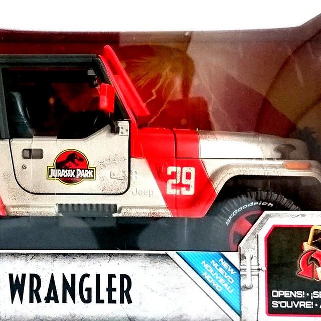 Matchbox Jurassic World 1//18 Jeep Wrangler FRM53 MATTEL Movies Car Die-cast New!