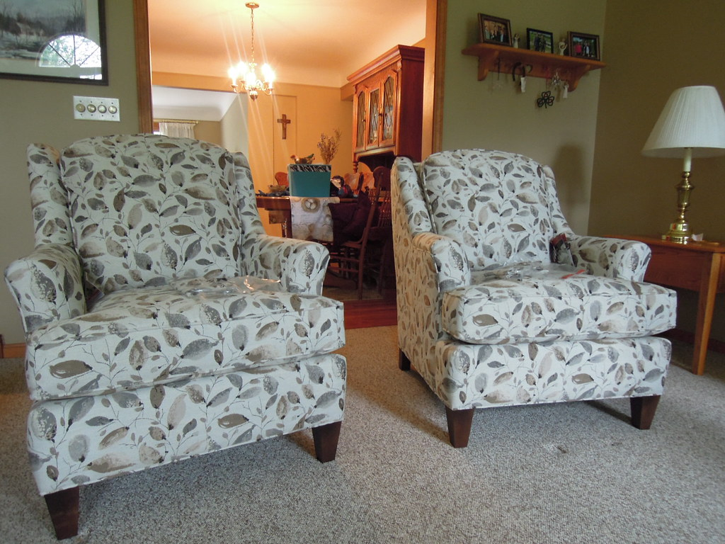 2 944 30 Smith Brothers Chairs Fabric 395303 Leg