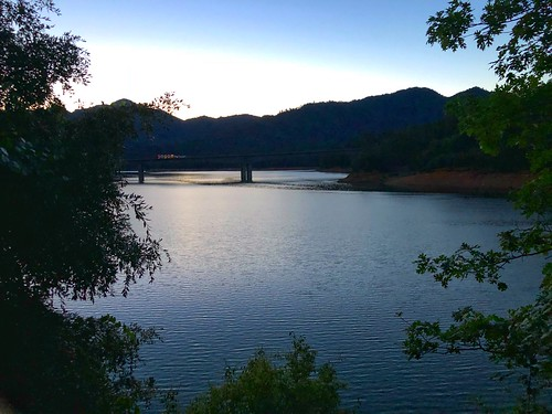 Dawn, Lakehead (Shasta Lake), California