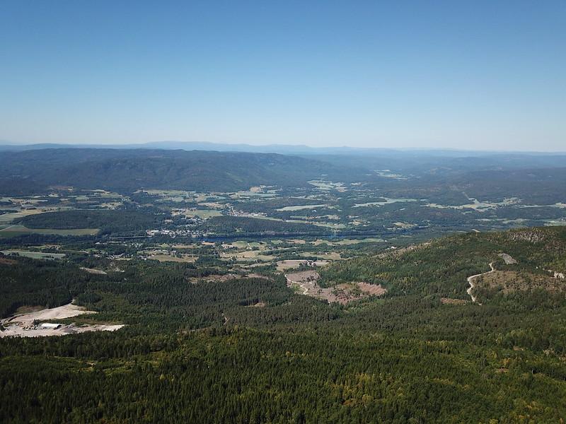 19-Utsikt mot Skotselv og Hotefjell (drone)