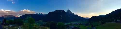 switzerland suisse schweiz gstaad berneroberland sunset sundown sonnenuntergang couchedesoleil panorama alps alpen alpes mountains montagne berge huus saanen