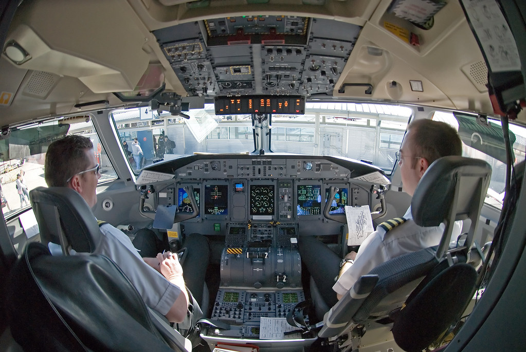 De Havilland DHC-8-400 cockpit | From a Horizon Air flight