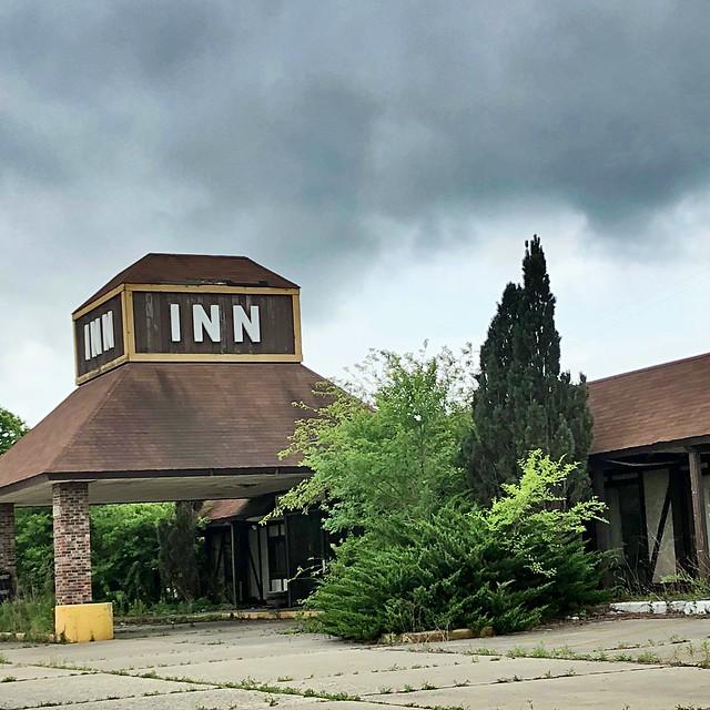 Tiki Inn and Pine Cone Restaurant, Peru or LaSalle, IL