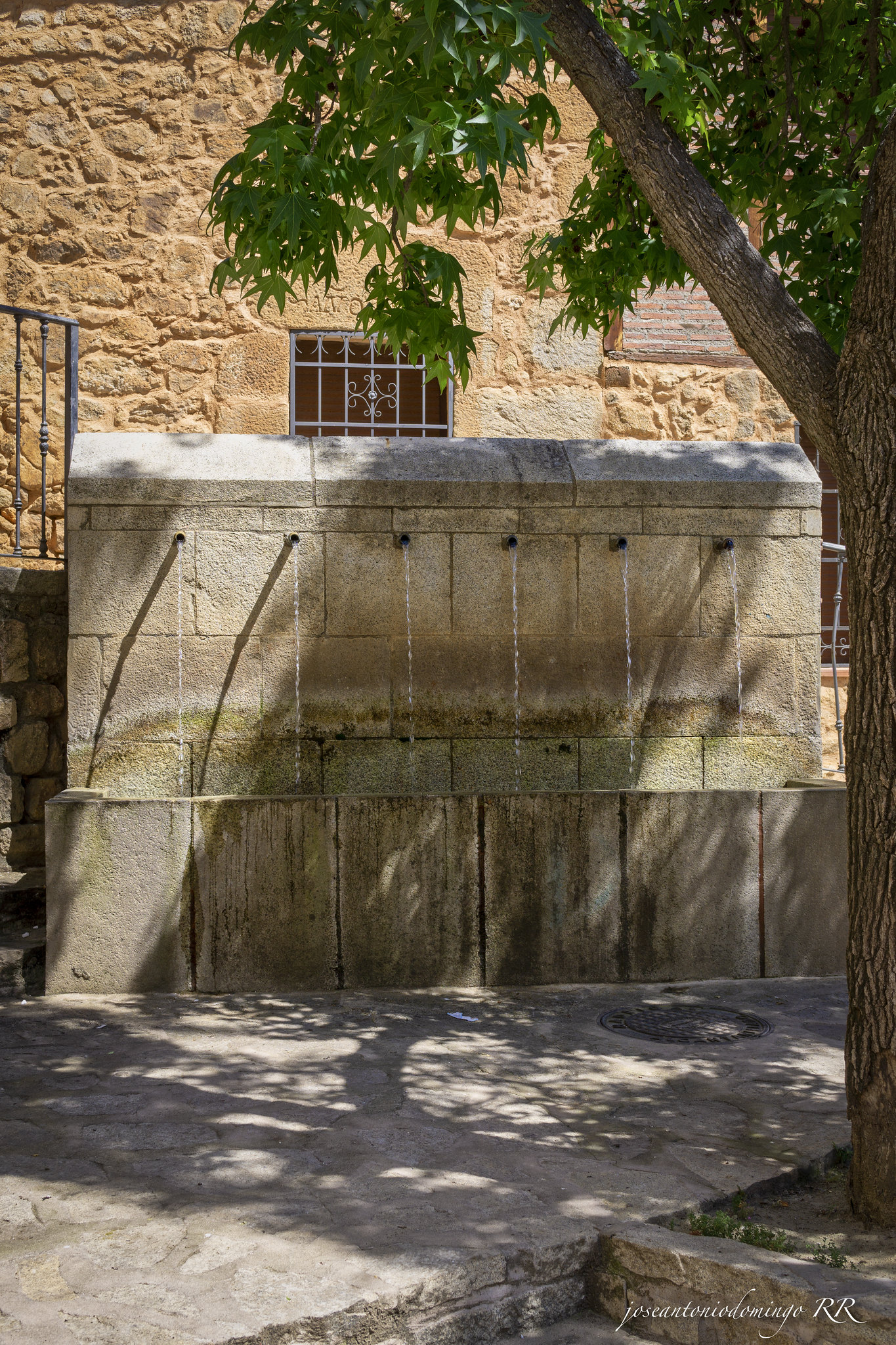 Madrigal de la Vera - Fuente de los seis caños.