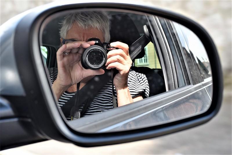 Me in the car window 16.06 (1)
