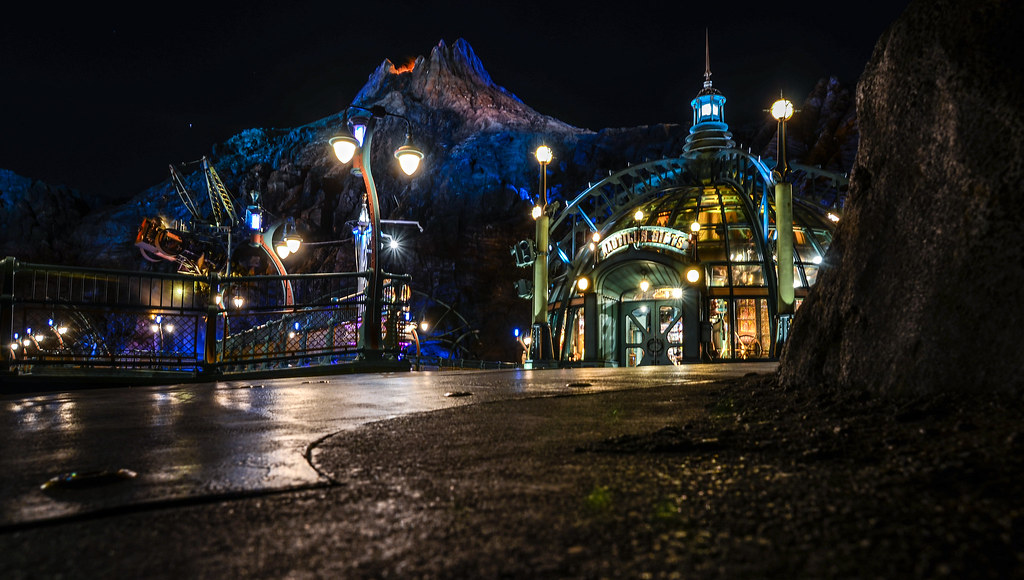 Mysterious Island Mount Promytheus and giftshop night TDS