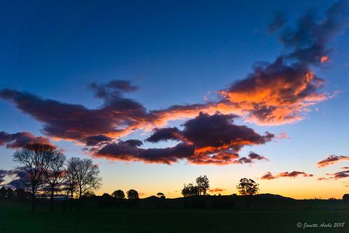 australia sheffield tasmania tassie clouds silhouette sky sunset
