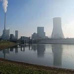 Das STEAG-Heizkraftwerk in der Nähe der Rheinaue Walsum