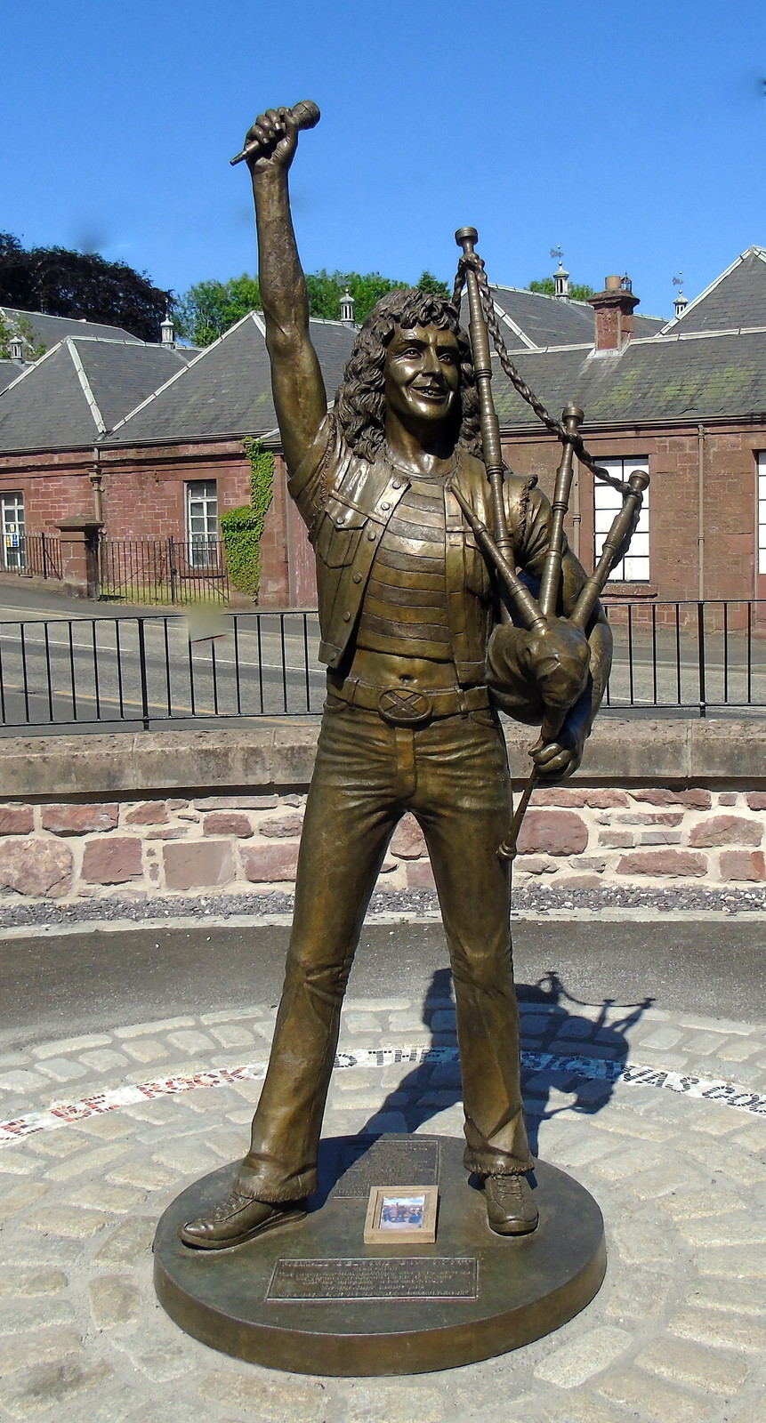 Bon Scott statue Kirriemuir