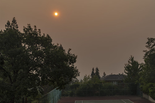 smoke ashland smoky southern oregon sun rogue valley fires nikon d750 nikkor 2485mm al case