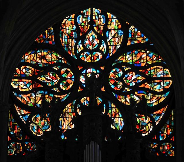 Vernon (Eure) - Collégiale Notre-Dame - Rosace (atelier Jacques Bony, 1974) (explore 14-08-18)