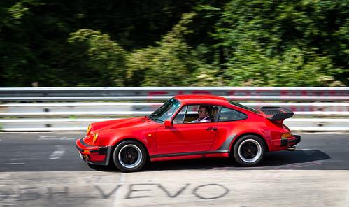 Gotta Love an Old 911!   by bramtop_1990