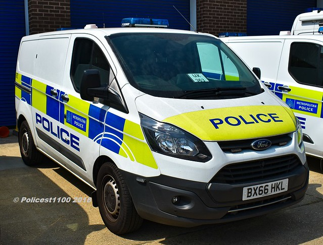 Metropolitan Police Ford Transit BX66 HKL