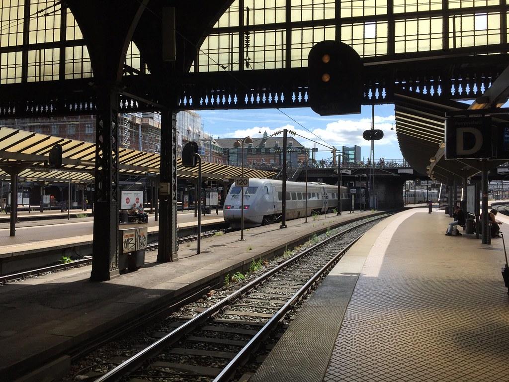 SJ Class X2 departing Copenhagen Central Station