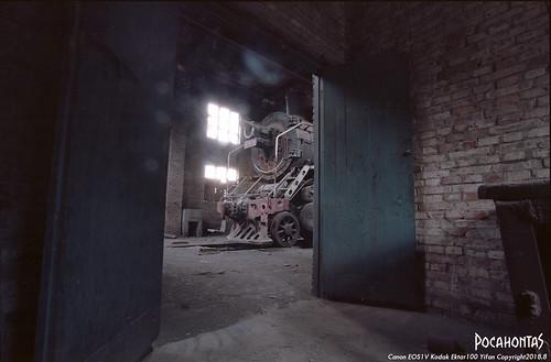 sy0888 steam steamlocomotive railroad railway rail baiyin garage locomotive kodak ektar100 film railraod kodakektar100