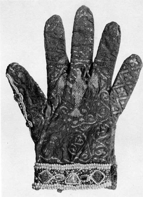 plate68-glove-right.jpg
