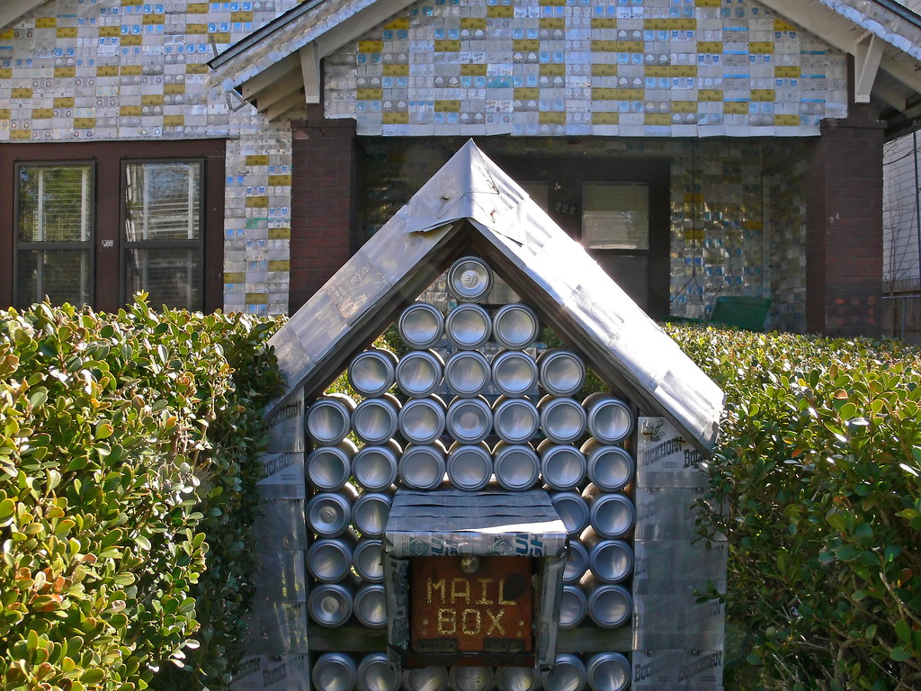 Super Beer Can Mailbox Even The Mailbox Is Made Out Of Beer Cans Interior Design Ideas Philsoteloinfo
