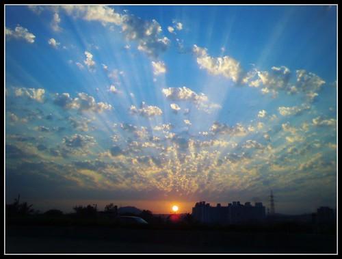 cameraphone road sunset india landscape evening highway ericsson sony express mumbai eastern w700i