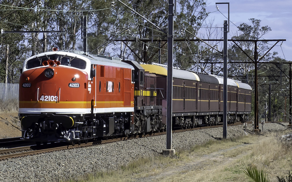 Craig Prior's Vintage Diesel Locomotive 42103 named Chumster with 4716 for LVR Lachlan Valley Railway on the UP through Western Sydney for next days' Special to Kiama NSW by Paul Leader - Paulie's Time Off Photography