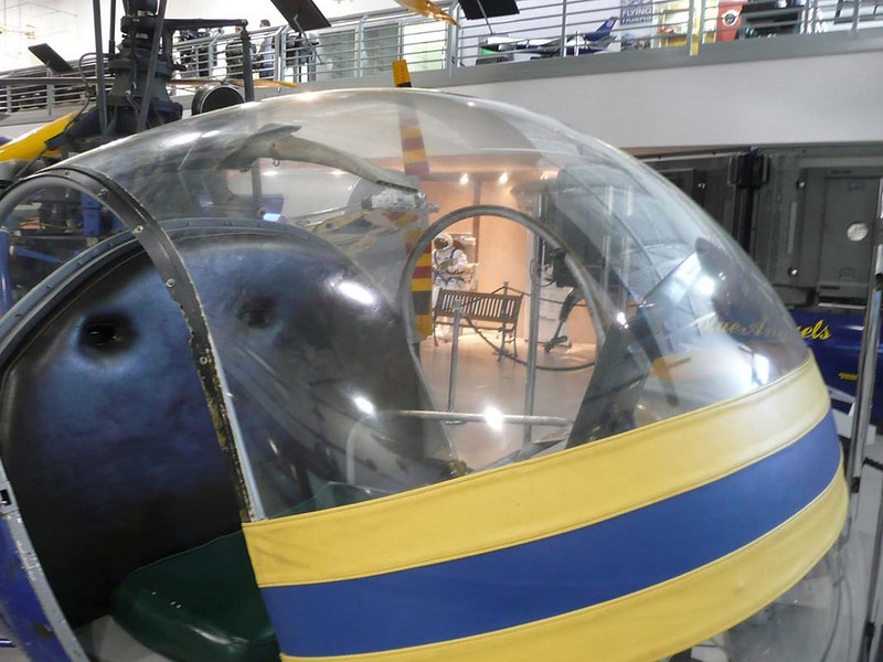 Hiller 360-OH-23 Raven 4
