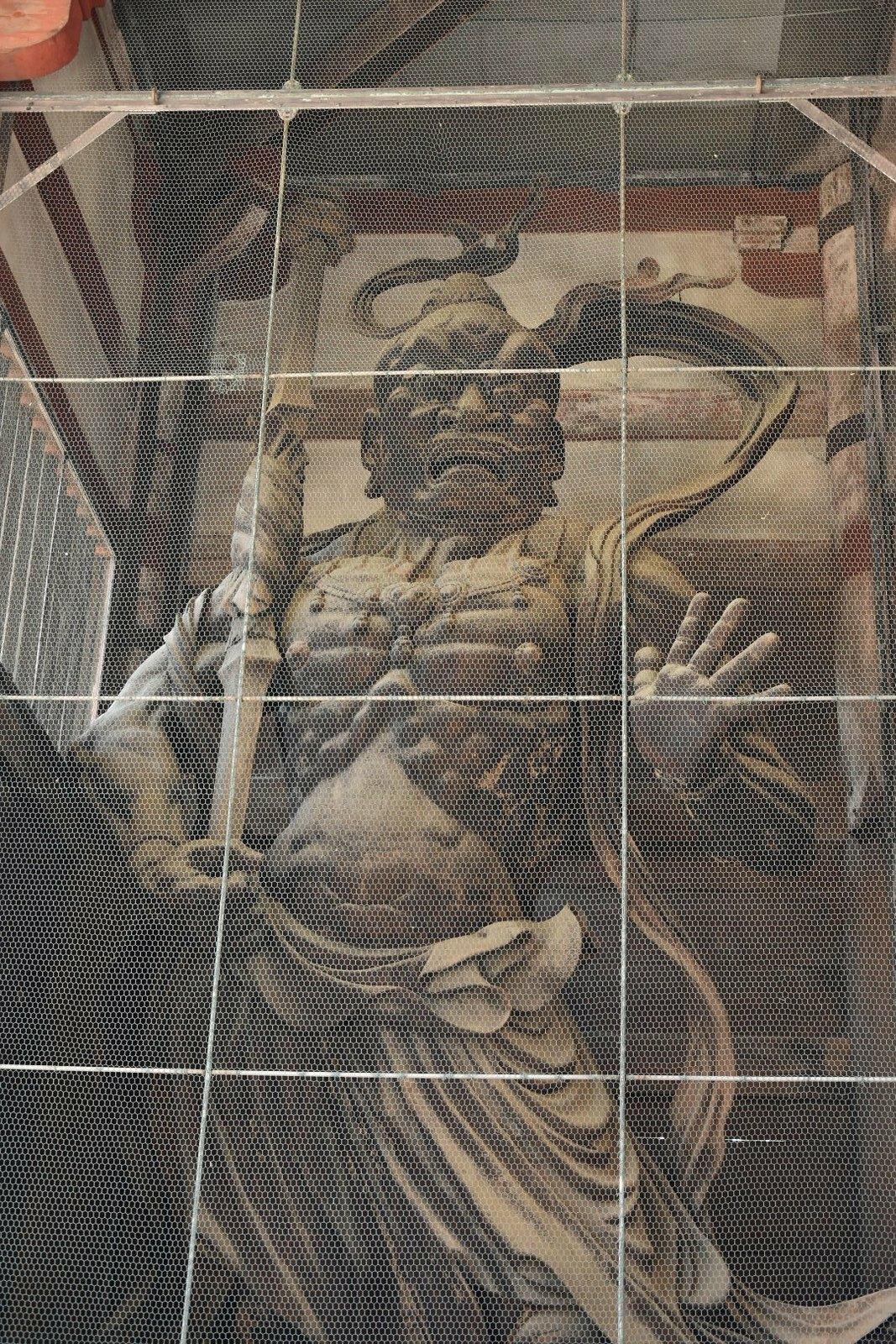 Nara - Todai-ji - gardien de pierre