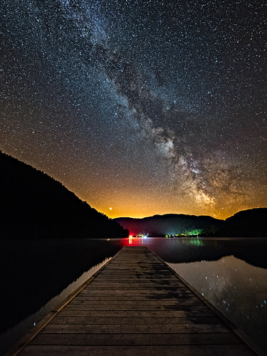 july august stars starlight pier lake night light reflection milkyway milky way galaxy astronomy astrophotography mountain sky nightscape landscape red pollution vosges alsace mars planet france summer hot wood peaceful beautiful