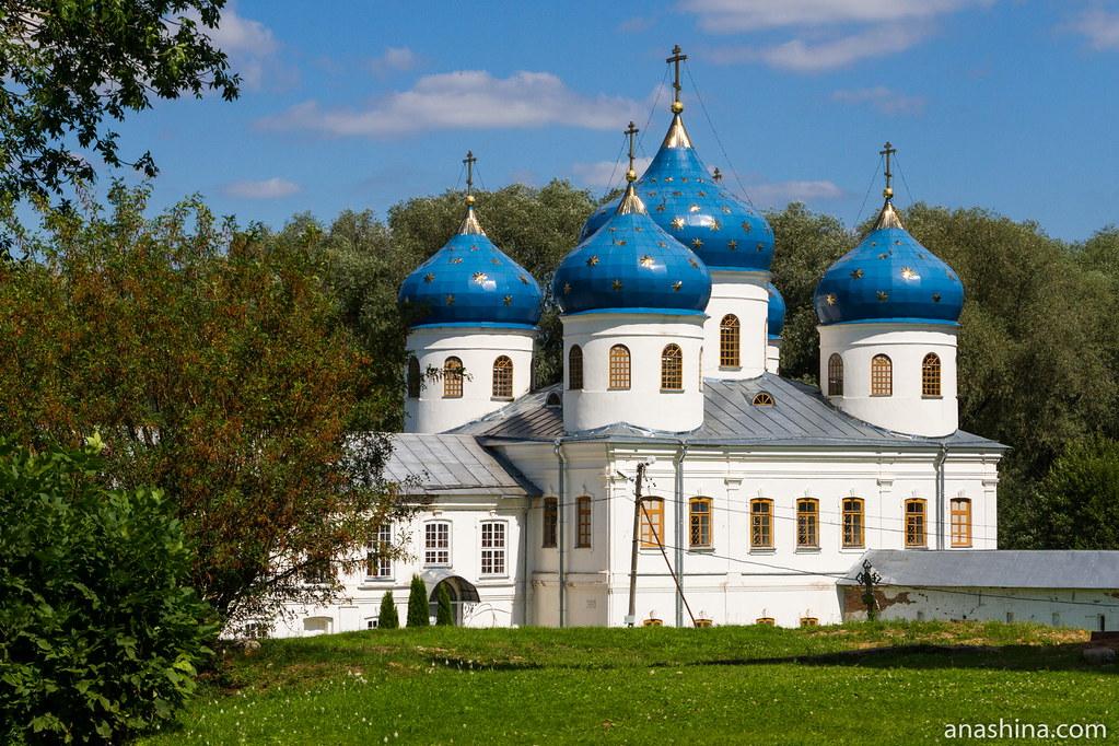 Юрьев монастырь, Великий Новгород, Крестовоздвиженский собор