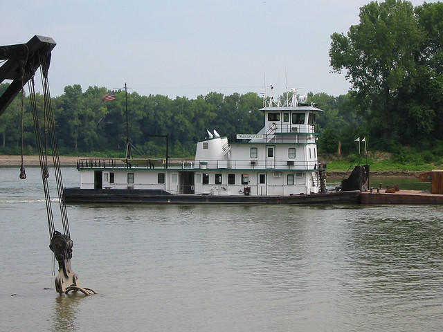 a2g076: Transporter upbound, approaching McAlpine Locks, Louisville