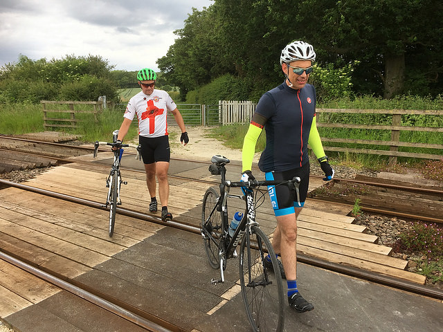 7 Yorkshire Wolds Cycle Route railway crossing 640