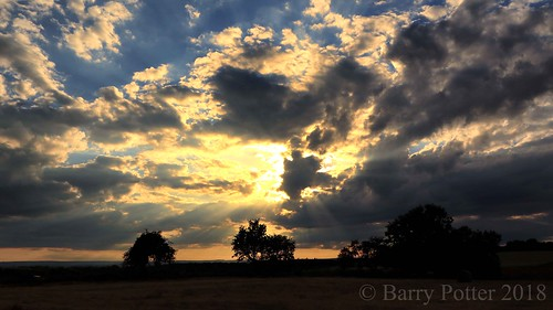barrypotter edenmedia canoneosm5 sunset clouds