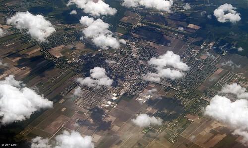 zeesstof aerial aerialview viewfromwindow windowseat flight commercialflight united unitedairlines mobilealabamatohoustontexas thibodaux louisiana unitedstates usa