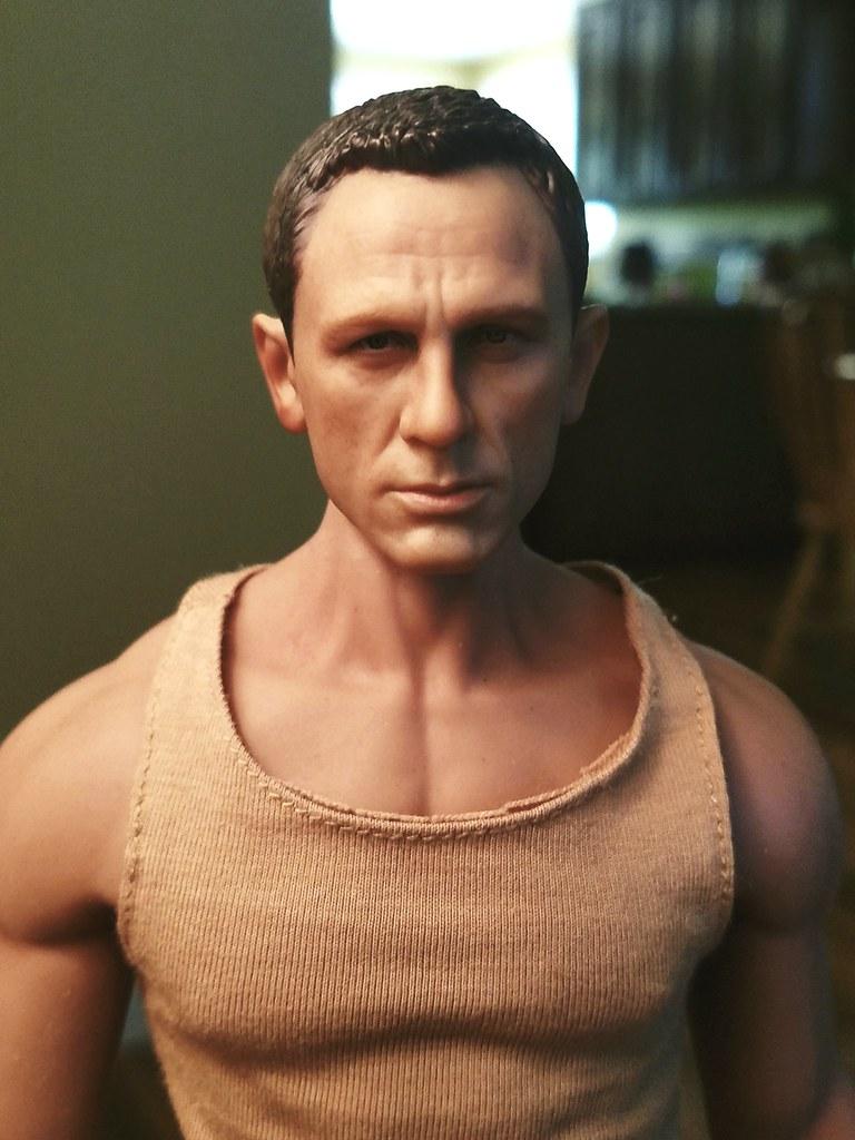 ef8a9de4dd ... Daniel Craig Head Phicen Body