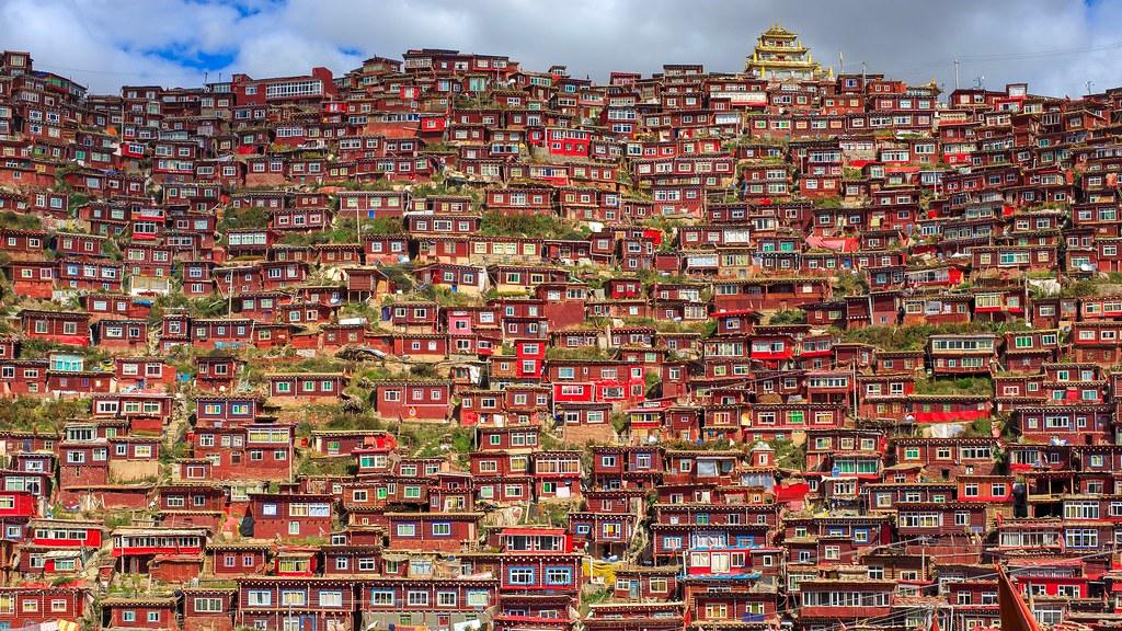 Larung Gar, Tibetan Buddhist city in Sichuan, China