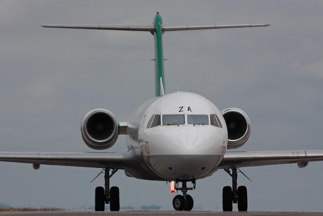 YR-FZA Fokker 100 Carpatair