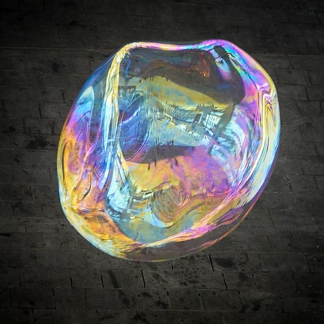 Iridescence sur une bulle ...