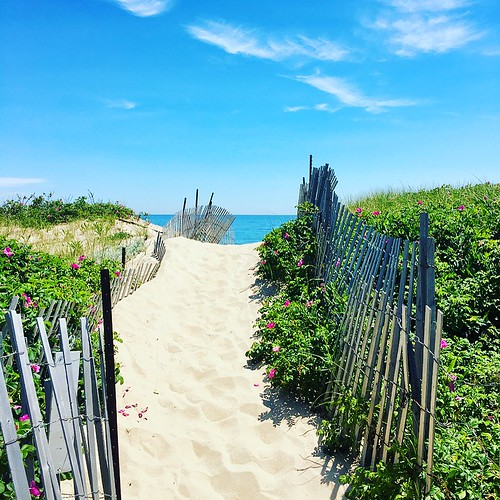 travel explore adventure streets portraits montauk amagansett hamptons beach longisland rocks sunset daytime
