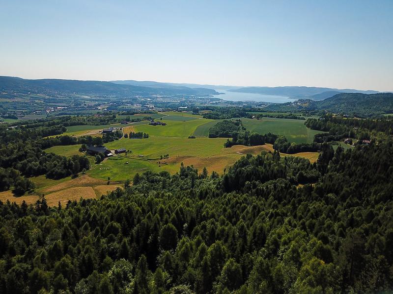 02-Utsikt mot Drammensfjorden fra Grindene (drone)